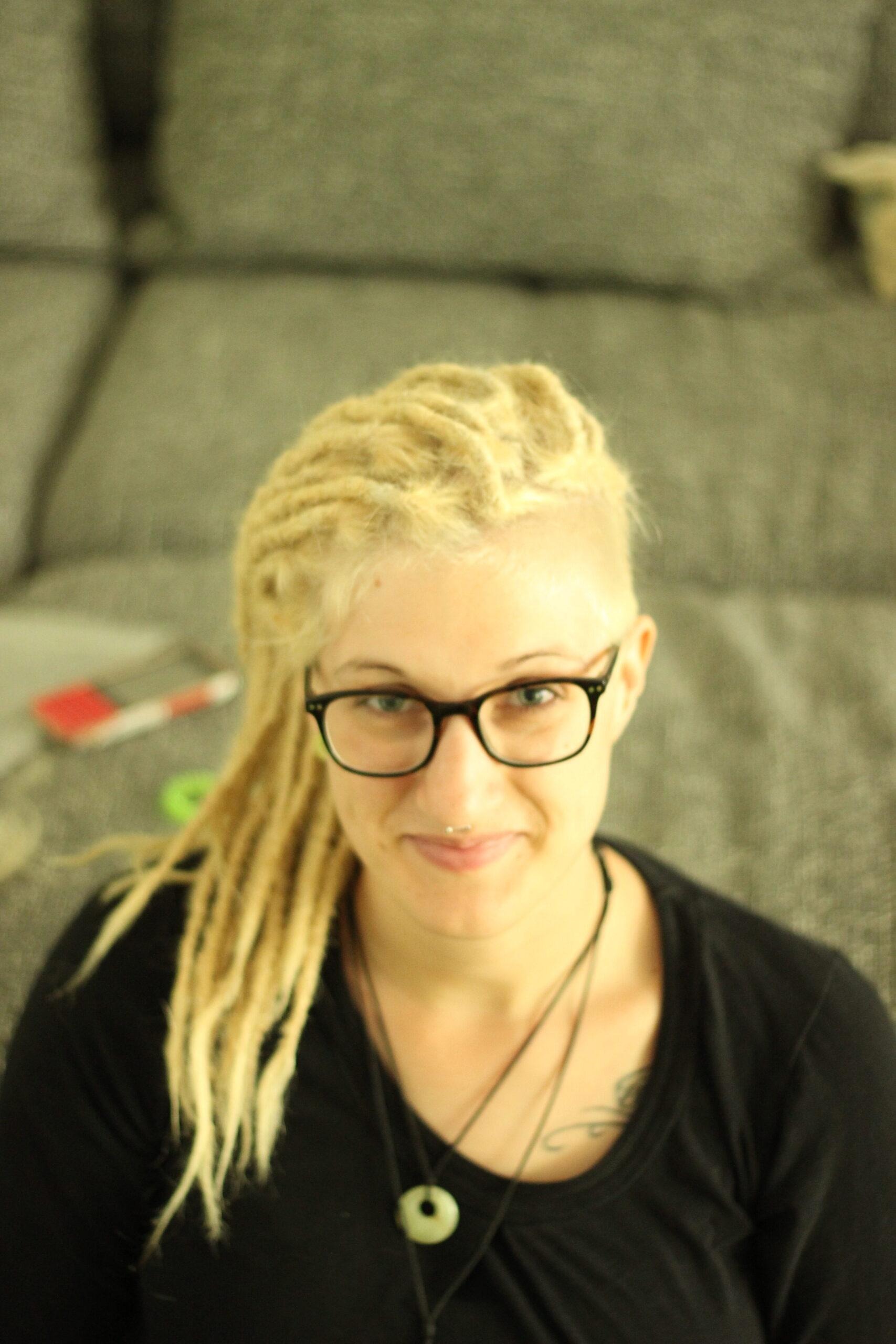 Dreadlocks_in_Stuttgart_Dreadfarm_dreads_in_BW_blonde_Dreads